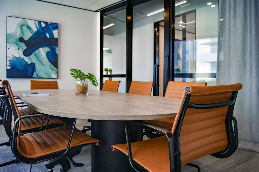 alternative dispute resolution at conference table